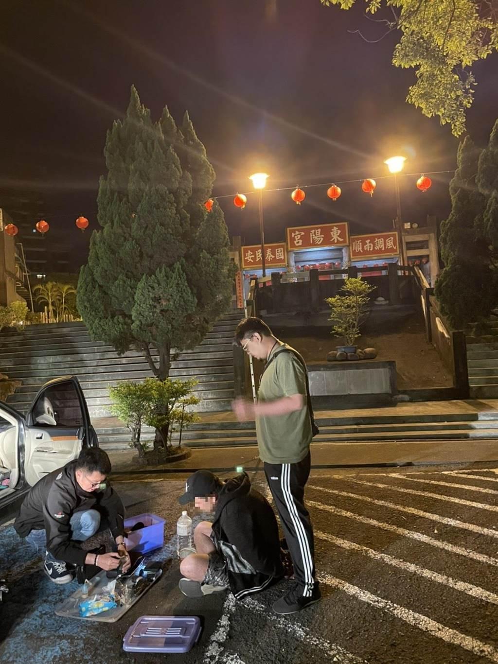 新北市中和警分局陳姓偵查佐服義務役時,在海軍陸戰隊服役退伍後從警,憑著優異的體力4月2日、6日接連破獲2起毒品案。(中和警分局提供)