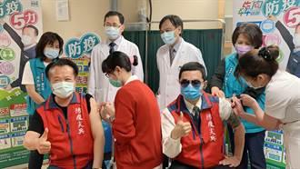 翁章梁完成疫苗施打 籲民眾一定要打疫苗