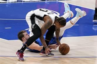 NBA》迪羅薩0.5秒後撤步跳投絕殺 馬刺神奇止敗