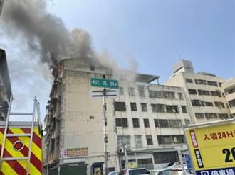 台中6樓頂加惡火 嬤急call孫無人接 23歲男被燒成焦屍