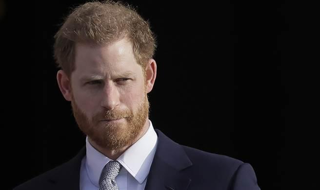 哈利王子(見資料照)為了參加祖父菲立普親王(Prince Philip)17日的葬禮,11日已搭機返回英國。(美聯社)