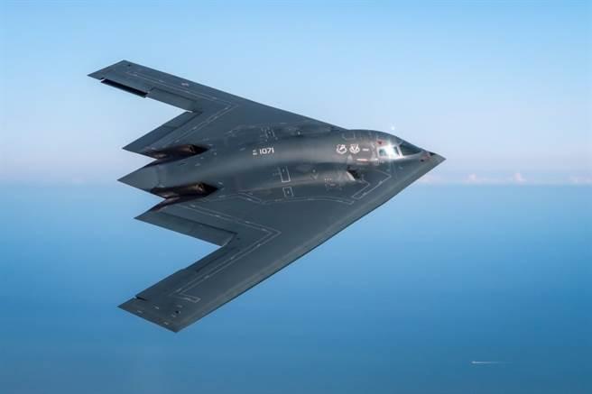 美國空軍報告中的6代機,進氣道布局有點像B-2。(圖/美國空軍)