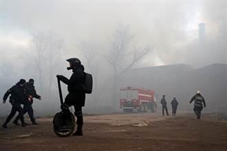 俄羅斯180年紅磚古蹟陷火海 濃煙染黑天際