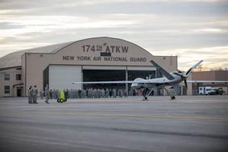 飛行員搞錯操縱桿 美軍65秒內損失1.7億