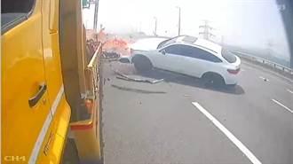 影》驚魂瞬間 賓士撞工程車秒爆火球 2人卡車內險命喪火窟