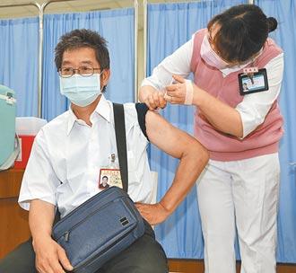 世界各國多採公費接種 台公費疫苗要自費 專家質疑扒兩層皮