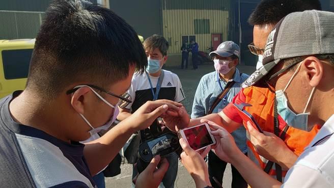 台南市政府消防局去年成立無人機隊,負責在災害現場執行協助救災任務。(消防局提供/洪榮志台南傳真)