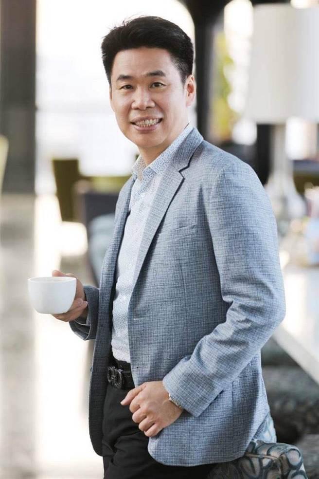 東森集團市場經營總顧問柳大謙趁宅經濟浪潮,投入東森集團「網路開店包」的生意,成為東森網路開店事業的新傳奇。(本人提供)