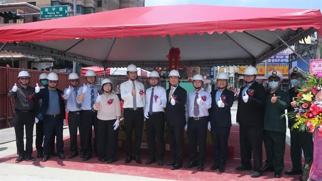 中華郵政股份有限公司對彰化市光復路郵局提出改建招商計畫,這也是郵政公司首度投資興建第一座郵局複合式影城大樓,工程總預算4.5億餘元。(謝瓊雲攝)
