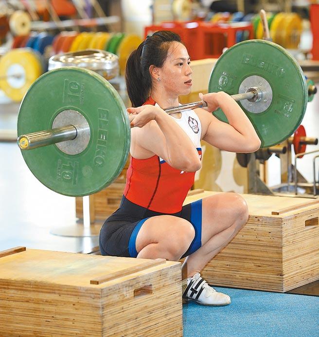 舉重女神郭婞淳在亞錦賽抓舉項目110公斤改寫世界紀錄,順利取得東京奧運門票。(國訓中心提供/資料照)