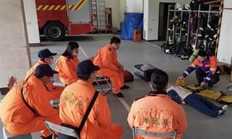 竹圍漁港意外頻傳 海巡弟兄至竹圍消防分隊學習急救處置技術
