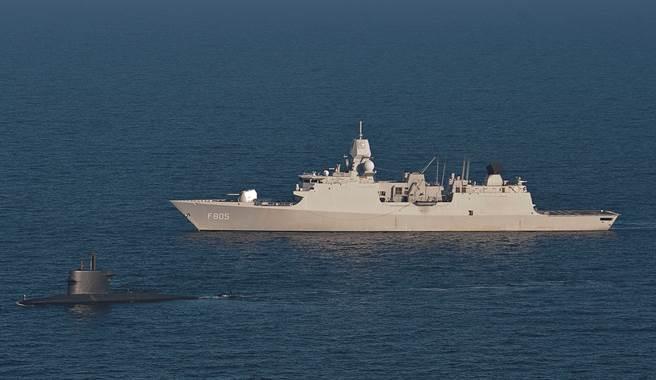 荷蘭「埃弗森號」(如圖)將加入英國「伊麗莎白女王號」航艦打擊群,伴隨其共同巡弋印太海域。(圖/DVIDS)