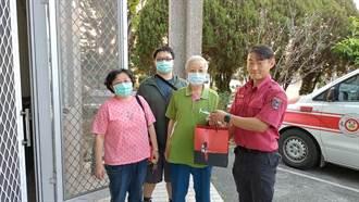 退休校長凌晨吐血求救119送醫 出院後馬上至消防隊道謝