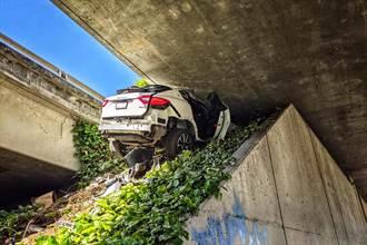 狂飆時速160公里 瑪莎拉蒂閃躲警察的悲劇下場曝光