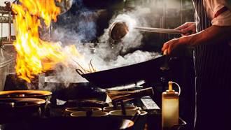 小吃店祭滷肉飯促銷 網見紅布條9字嘆:真不容易