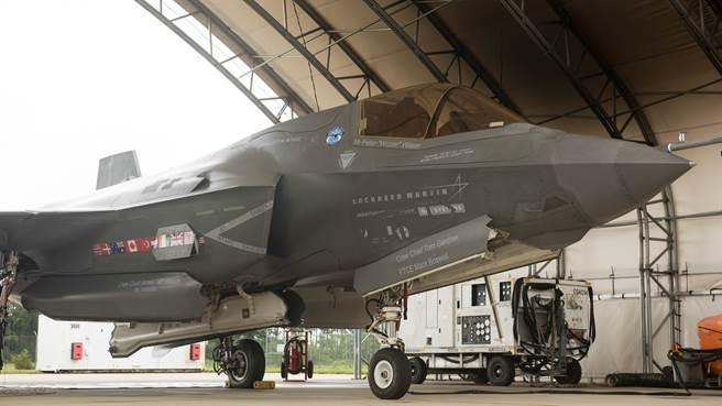《富比世》認為,南韓自製的KF-X戰機,對大陸的衝擊可能比F-35更強。圖為接受測試的F-35B。(圖/DVIDS)