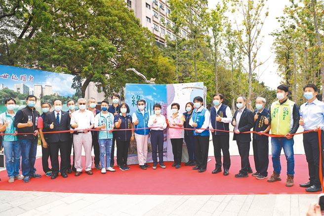 台中市綠川水環境改善計畫興大段、綠空鐵道段、長春運動中心段,14日同步完工啟用。(張妍溱攝)