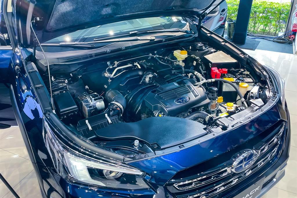 引擎搭載2.5L水平對臥四缸自然進氣引擎,提供169ps/25.7kgm最大輸出。