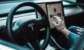 通知車主回廠處理問題特斯拉有新方法:直接把召回訊息秀在車用系統上