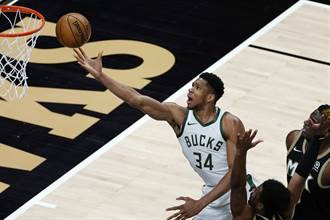 NBA》字母哥回來了!公鹿作客輕鬆射落老鷹慶祝