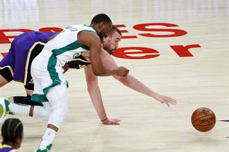 NBA》真是硬漢!馬克蓋索手指脫臼接回繼續打