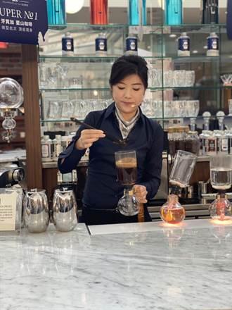 高檔咖啡豆現身百貨公司 貴婦花近32萬元買了80罐