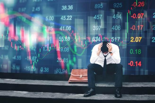 中鋼股價持續飆漲,網友好奇該不該追高。(圖/美聯社)