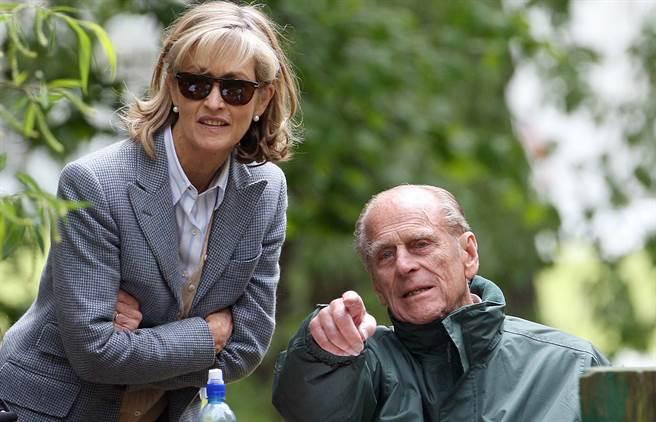 現年67歲的潘妮•納奇布爾(Penny Knatchbull)雖然比菲立普親王年輕了32歲,但兩人卻是將近30年的密友。(達志圖庫/TGP)