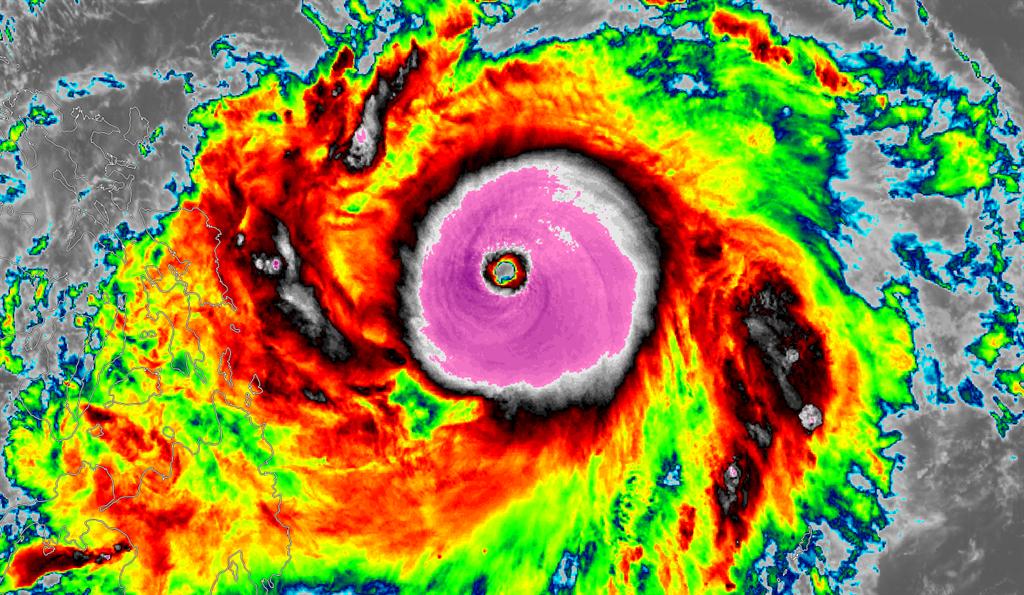 「台灣颱風論壇|天氣特急」表示,舒立基未來48小時都是巔峰狀態。(摘自台灣颱風論壇臉書)