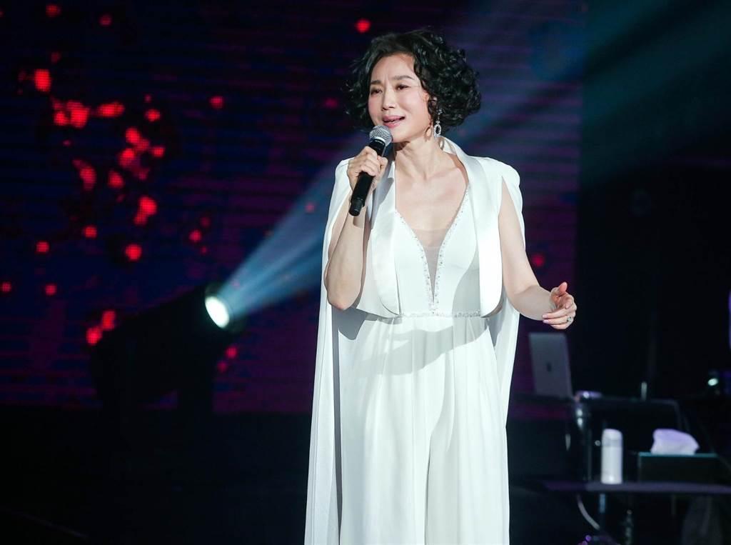 坣娜舉辦首場大型演唱會。(粘耿豪攝)