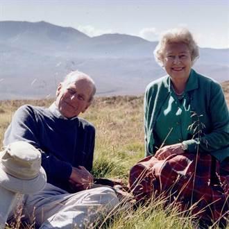 今舉行葬禮告別摯愛 英女王分享昔野餐照