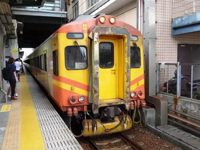 一列自強號今在新竹站、香山站兩度發生故障。(示意圖。台鐵提供)