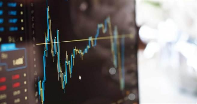 公司會計盜用公款用於投資買房,結果投資全面虧損,房價卻直線上升。(示意圖/pixabay)