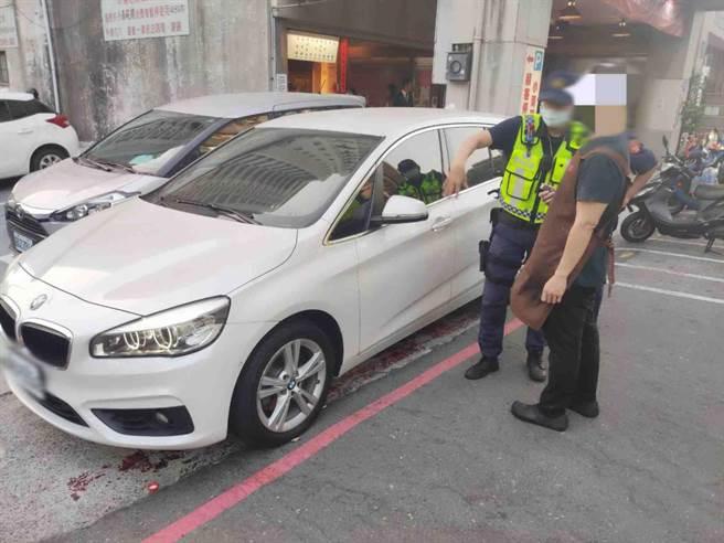 高市警方近來收到不少檢舉交通違規案件而疲於奔命,現在定調有但書免開罰。(警方提供/柯宗緯高雄傳真)