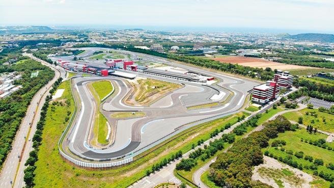 麗寶賽車場去年底獲得FIA認證,成為全台唯一一座國際認證的賽車場!圖/麗寶提供