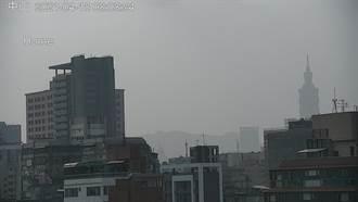 沙尘暴登陆北台湾 专家:即刻起向中南部输送