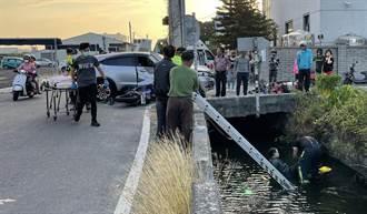轎車和3台機車撞成一團 1名騎士飛落2公尺深大水溝骨折