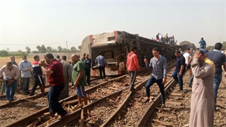 埃及火車出軌翻覆 據報至少8死逾百傷