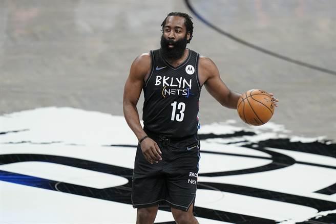 籃網總教練納許表示哈登將會隨隊征戰客場,上場與否還不一定。(美聯社資料照)