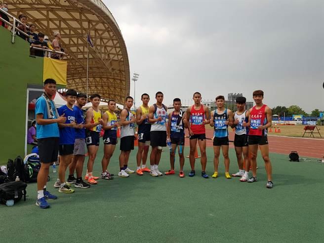 魏浩伦在2021全中运高男组100短跑轻松晋级决赛。(陈筱琳摄)