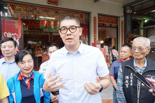 國民黨智庫副董事長連勝文對於AZ疫苗有安全性、後遺症存疑。(王文吉攝)