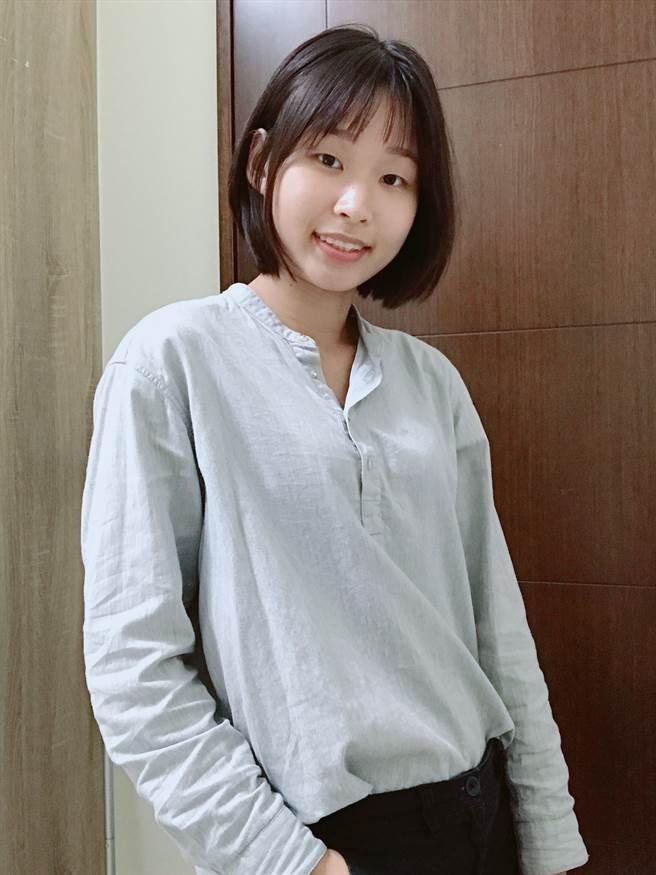 女警黃惟妮甜美可愛(圖/戴志揚翻攝)