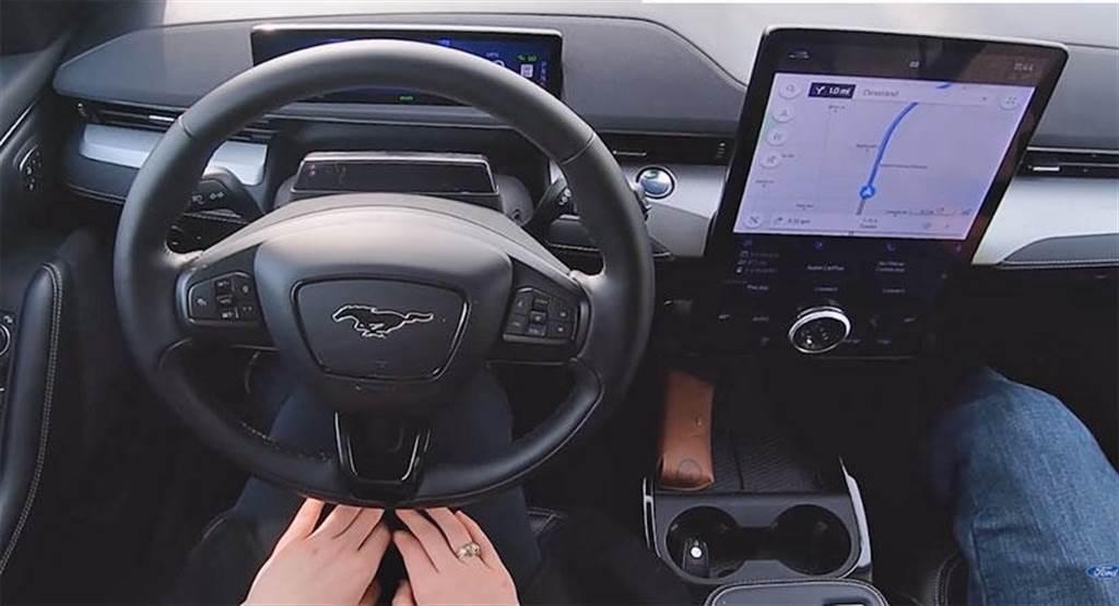 不用車主當白老鼠:福特「手放開」BlueCruise 自駕輔助功能將於年底推送給電動野馬