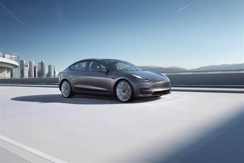 特斯拉公布 2021 年第一季車輛安全報告:有 Autopilot 讓車子安全近九倍