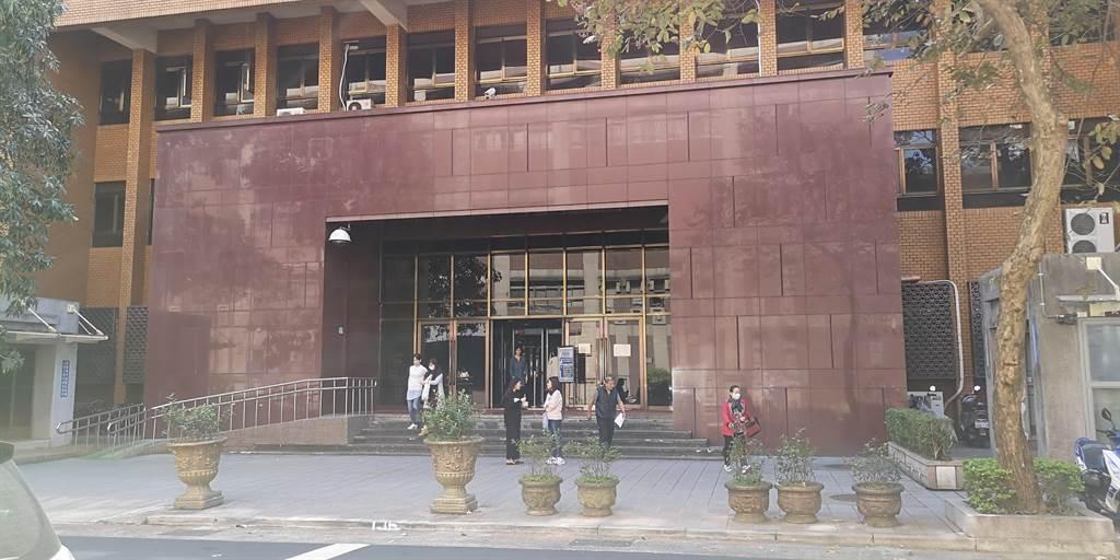 王姓刺青師傅「無縫接軌」客人15歲小女友,性交6次得逞,遭台北地院判應執行3年2月。(本報資料照片)