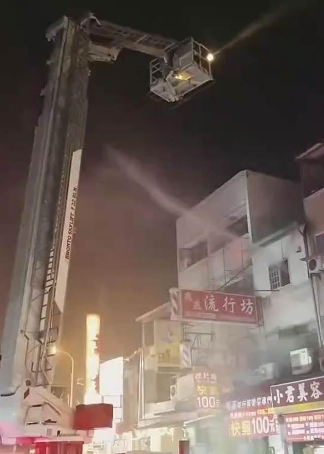 台中市中華路1民宅深夜失火,3童喪身火窟。(台民眾提供/陳淑芬台中傳真)