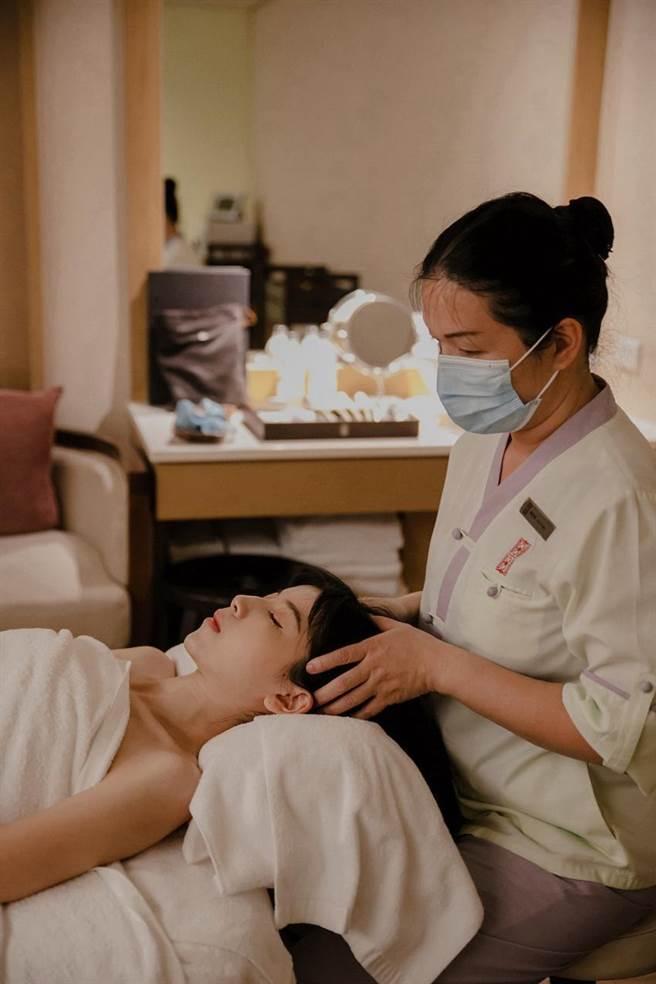 迎接母親節,北投麗禧酒店推出「寵愛媽媽3999專案」,60分鐘東方經絡療程加贈露天風呂單次使用。(圖/北投麗禧溫泉酒店)