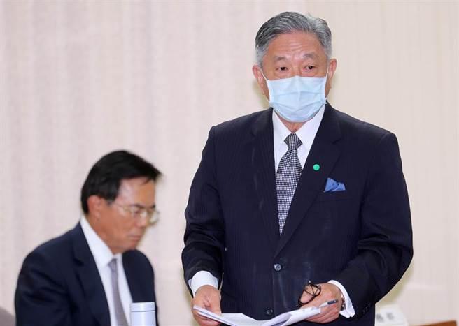 外交部次長田中光(右)表示,已向日方表達關切。左為法務部次長蔡碧仲。(黃世麒攝)