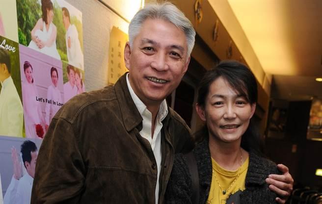 蔡玲颖已经结婚39年了,她承认自己不爱许明。 他对生死无动于衷,并希望葬花结束他的生活-娱乐-中世新闻网