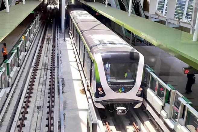 台中捷運綠線25日中午正式通車營運,未來收費起程價為20元、最高50元。(中捷公司提供/林欣儀台中傳真)